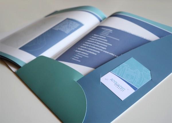 Brochure con cartelletta contenitiva